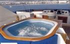 Ineke IV - piscine du yacht de luxe