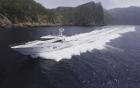 L'ECUREUIL, FAIRLINE SQUADRON - vue du bateau en pleine vitesse - location, 360° luxury services