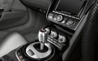 R8 Spyder - finition intérieur - location de voiture de luxe   360° luxury services
