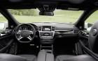 Mercedes-Benz GL 63 AMG - intérieur et volant, luxe à louer sur 360° luxury services