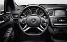 Mercedes-Benz ML 63 AMG - intérieur et volant, luxe à louer sur 360° luxury services